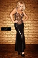 Robe longue Diva : Un bustier de tulle parsemé d'un plumetis de paillettes, et une jupe longue moulante sur les hanches... une robe de Diva.